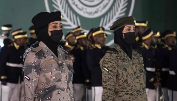 Pertama Kali, Tentara Wanita Mengikuti Parade Militer Hari Nasional Arab Saudi