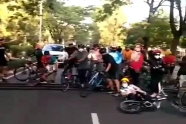 Pesepeda Keluhkan Polisi Tidur Tinggi di Pulomas Jaktim