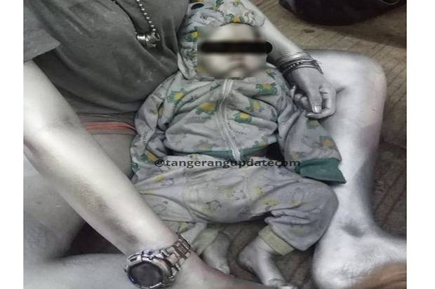 Tega! Bayi Dicat Silver Diajak Minta-minta di Pamulang Tangsel