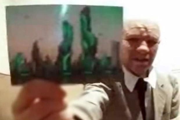 Tunjukkan Foto Futuristik, Pria Ini Mengaku Penjelajah Waktu