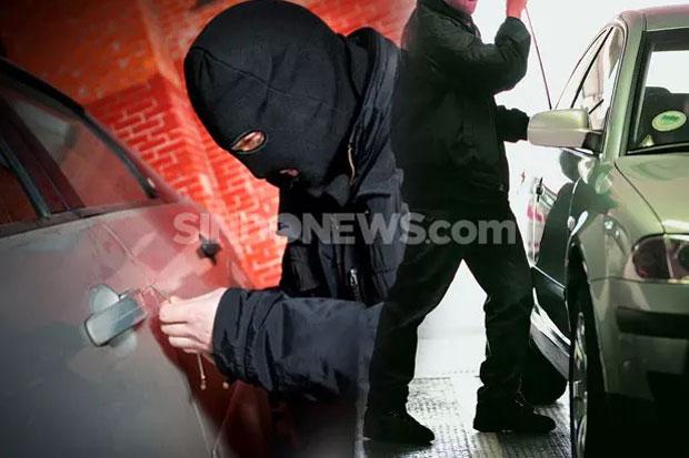 Aksi Pencurian Mobil di Karang Bahagia Bekasi Terekam CCTV
