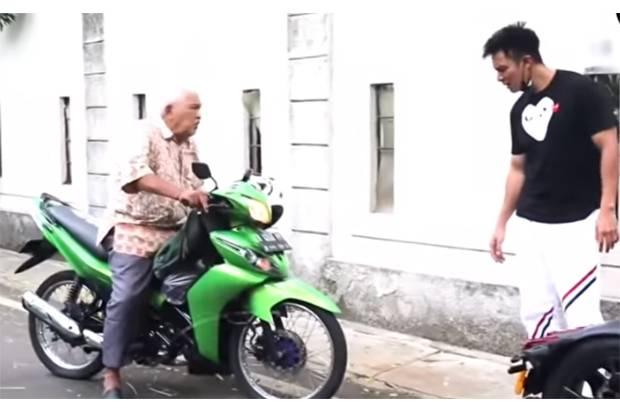 Baim Wong Rendahkan Kakek Suhut, Psikolog Nilai sang YouTuber Lakukan Kebodohan Terbesar