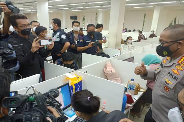 Gerebek Kantor Pinjaman Online, Polisi Amankan 32 Karyawan