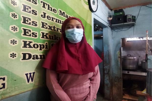 Berkunjung ke Warteg Family, Anies Beri Nama Bayi untuk Cucu Pertama Pemilik Warteg