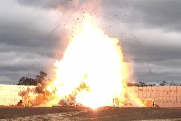 Dahsyatnya Jet Tempur F-15E AS Jatuhkan Bom 5.000 Pon Penembus Bungker Bawah Tanah
