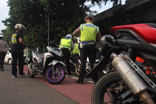 Puluhan Motor Knalpot Bising Terjaring Razia di Kawasan Istana Negara