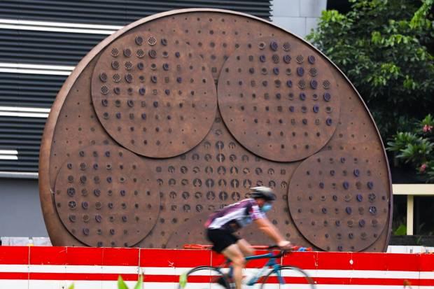 Tugu Sepeda Senilai Rp800 Juta Masih Belum Rampung