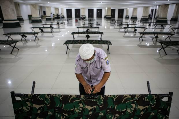 Kasus Covid-19 di Jakarta Tak Terbendung, Masjid Raya KH Hasyim Asyari Jadi Lokasi Isolasi OTG