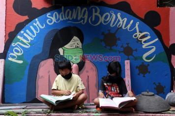 Serikat Mural Surabaya Hadirkan Seni Melawan Pandemi