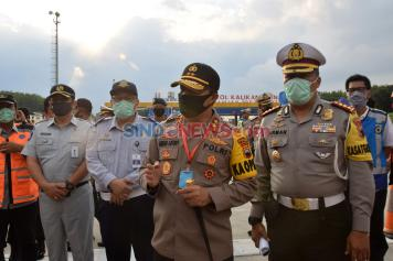 Kapolda Jateng Pantau Penyekatan Arus Balik di Gerbang Tol Kalikangkung Semarang