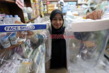 Jelang New Normal, Face Shield Diburu Warga