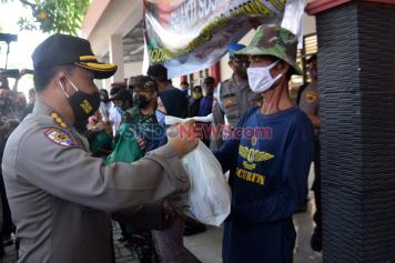 Polda Jateng-Kodam IV/Diponegoro Gelar Baksos di Lamper Kidul Semarang