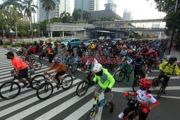 CFD Ditutup Sementara, Pesepeda Masih Ramai di Sepanjang Sudirman-Thamrin