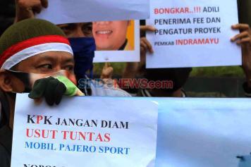 Masyarakat Indramayu Anti Korupsi Demo di Gedung KPK