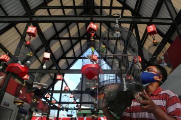 Bekas Wisma Barbara Dolly Surabaya Disulap Jadi Pasar Burung
