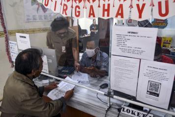 Dinas Dukcapil DKI Jakarta Kembali Lakukan Pelayanan Secara Tatap Muka