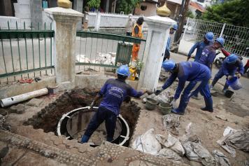 Sudin SDA DKI Jakarta Bangun Sumur Resapan Dangkal 120 Titik
