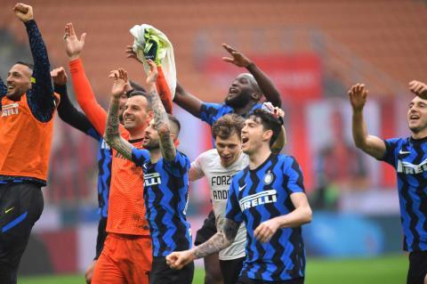 Foto Derby Della Madonnina Inter Milan Bantai