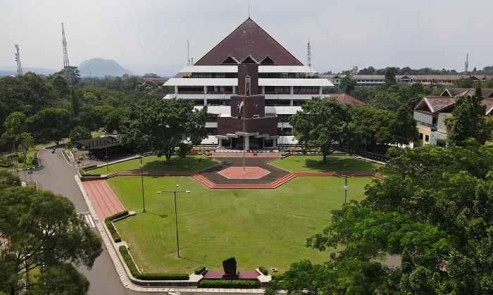 Dosen IPB University Berbagi Tips Gunakan Teknologi Digital Sehat dan Aman