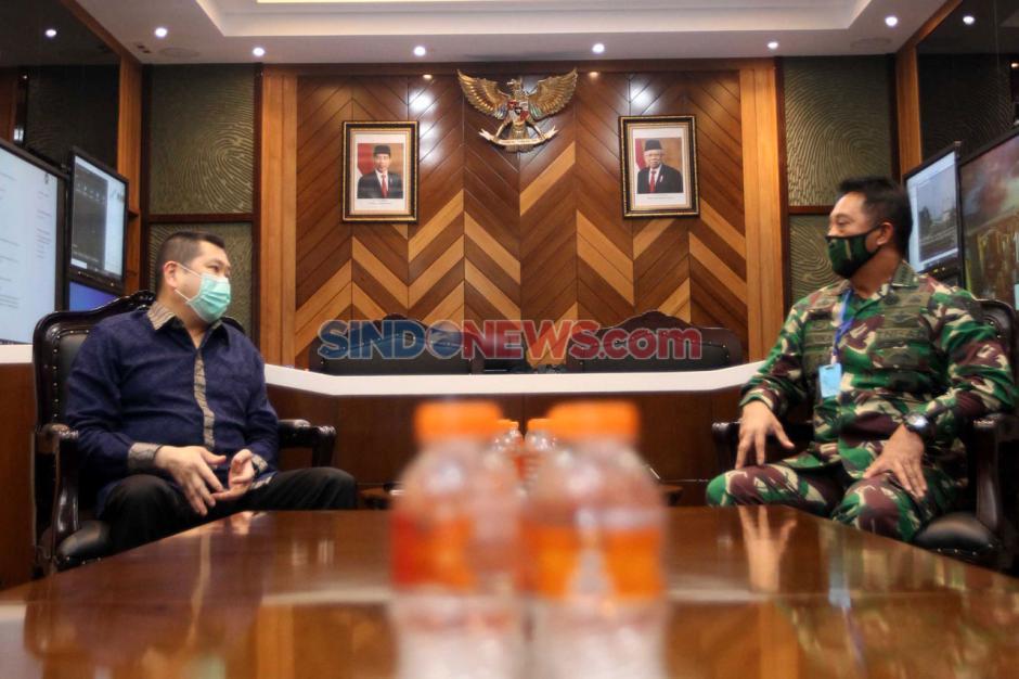 MNC Peduli Serahkan Bantuan APD ke TNI AD-5