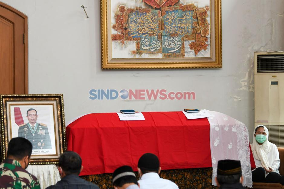 Jenazah Jenderal Djoko Santoso Disemayamkan di Rumah Duka Bambu Apus Jakarta Timur-1