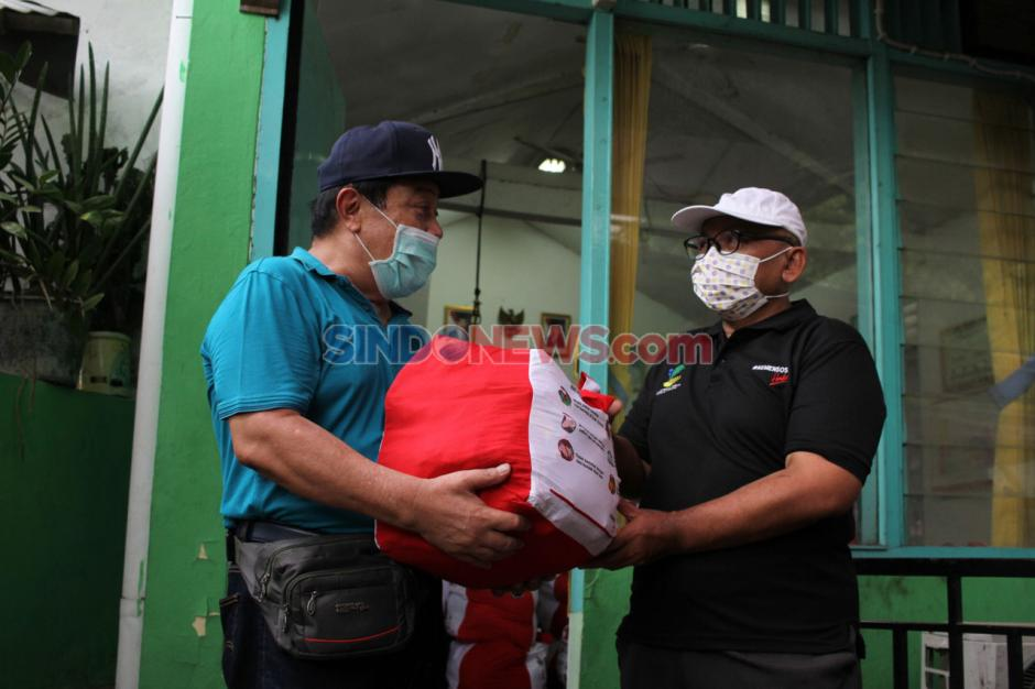 Kemensos Salurkan 362 Bantuan Sembako Presiden di Kelurahan Cipinang-1