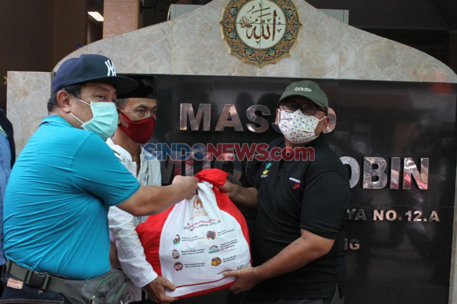 Kemensos Salurkan 362 Bantuan Sembako Presiden di Kelurahan Cipinang-0