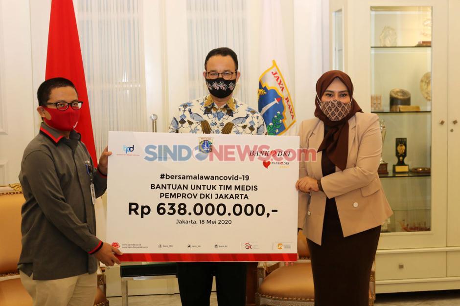Bank DKI Serahkan Bantuan Kemanusian Penanganan Covid-19-0