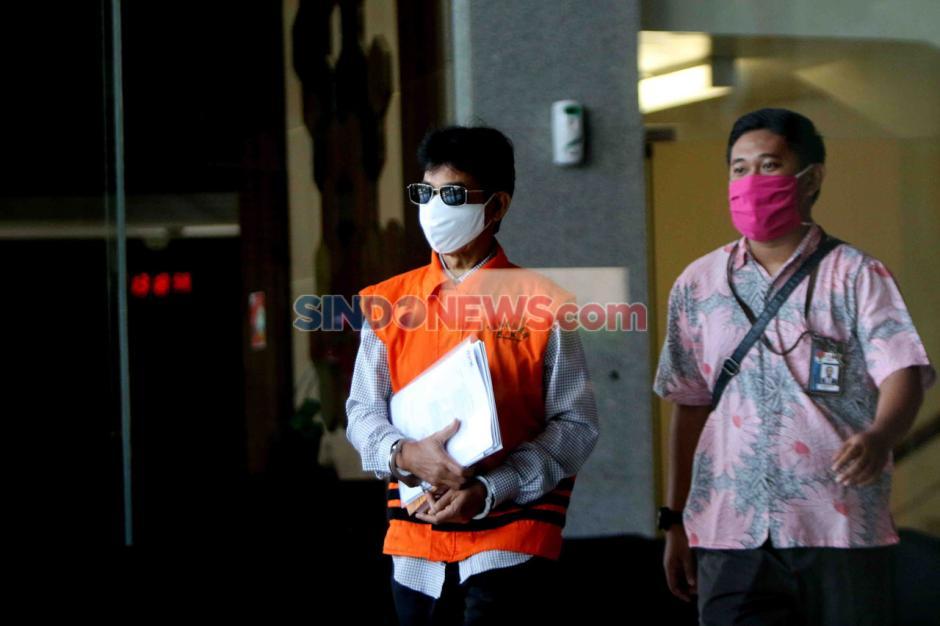 KPK Kembali Periksa Bupati Solok Selatan Muzni Zakaria-4