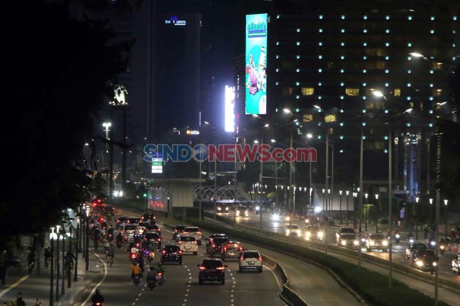 Jalan MH Thamrin Jakarta Ramai di Malam Takbiran-0