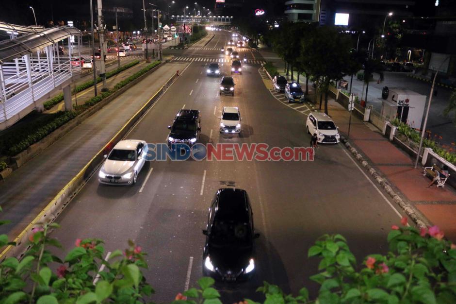 Jalan MH Thamrin Jakarta Ramai di Malam Takbiran-1