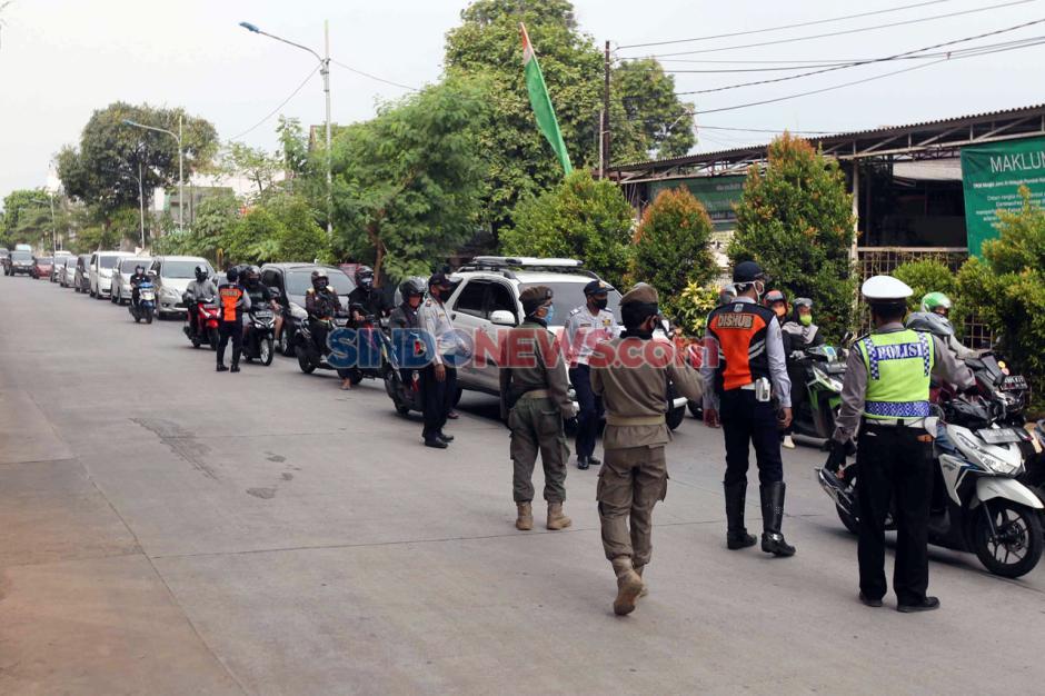 Hendak Masuk Jakarta, Pemudik Dipaksa Putar Balik-4