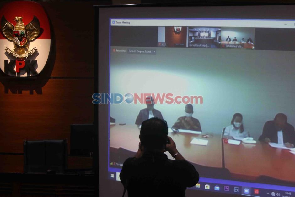 Pengadilan Tipikor Jakarta Gelar Sidang Dakwaan Suap Wahyu Setiawan dan Agustiani Tio-2