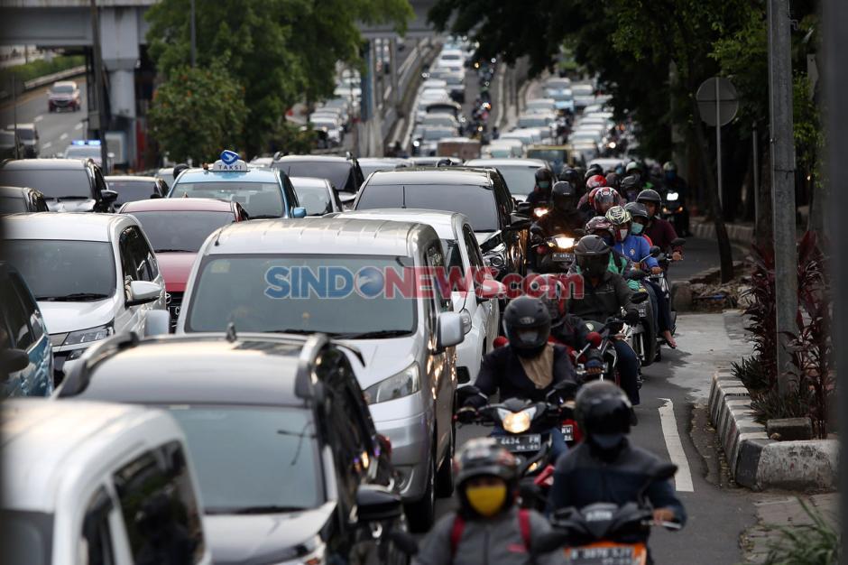 Warga Jakarta Tidak Mematuhi PSBB-3