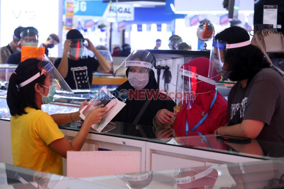 Pengunjung Plaza Marina Surabaya Wajib Pakai Face Shield-10