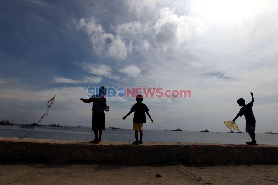 Geliat Warga di Pantai Marunda Saat Pandemi Corona-5
