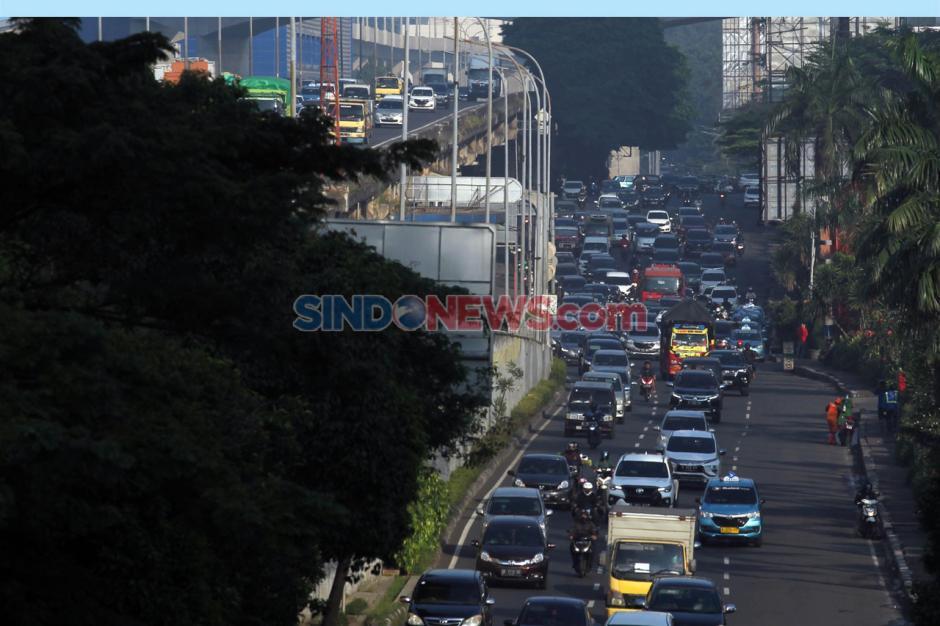 Lalu Lintas Jakarta Kembali Ramai Jelang PSBB Berakhir-0