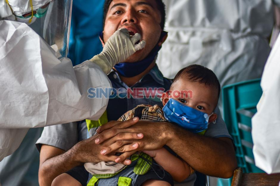 Warga Riau Jalani Tes Usap Massal COVID-19 di Pasar Sukaramai-1