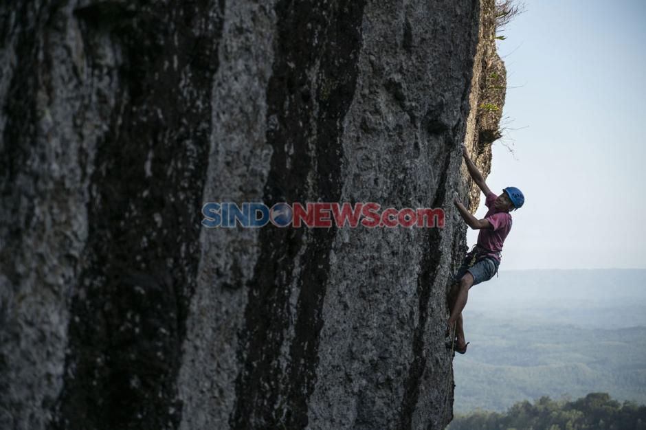 Wisata Uji Adrenalin di Gunung Api Purba Nglanggeran-2