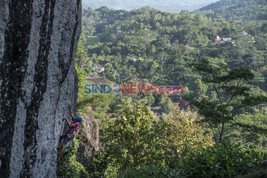 Wisata Uji Adrenalin di Gunung Api Purba Nglanggeran-0