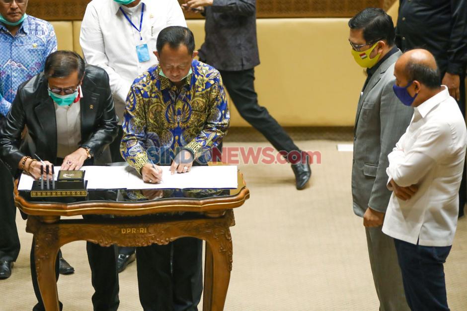 Komisi II DPR Setujui Perpu Penundaan Pilkada Jadi Undang-Undang-3