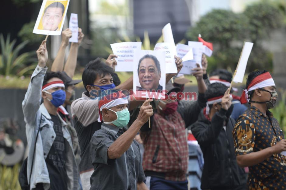 Masyarakat Indramayu Anti Korupsi Demo di Gedung KPK-1