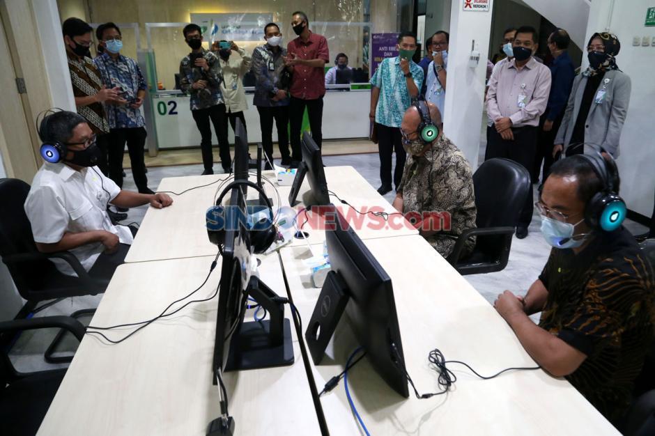 Dirut BPJamsostek Tinjau Layanan New Normal di Surabaya-0