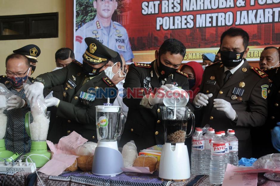 Polrestro Jakarta Pusat Musnahkan Barang Bukti Narkoba-1