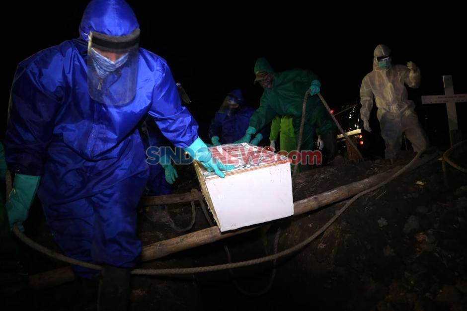 Angka Kematian Akibat COVID-19 Jawa Timur Tertinggi di Indonesia-8