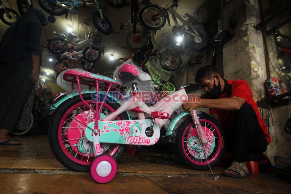 Pandemi COVID-19, Penjual Sepeda Bekas di Pasar Rumput Laku Keras-1