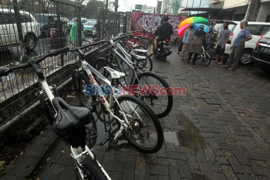 Pandemi COVID-19, Penjual Sepeda Bekas di Pasar Rumput Laku Keras-3