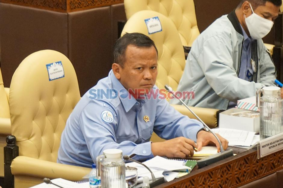 Menteri Kelautan Jelaskan Soal Ijin Ekspor Benih Lobster di Depan Komisi IV-0