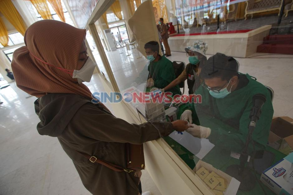 Keluar Masuk Kota Makassar Diperketat, Suket Bebas COVID-19 Diburu Warga-3