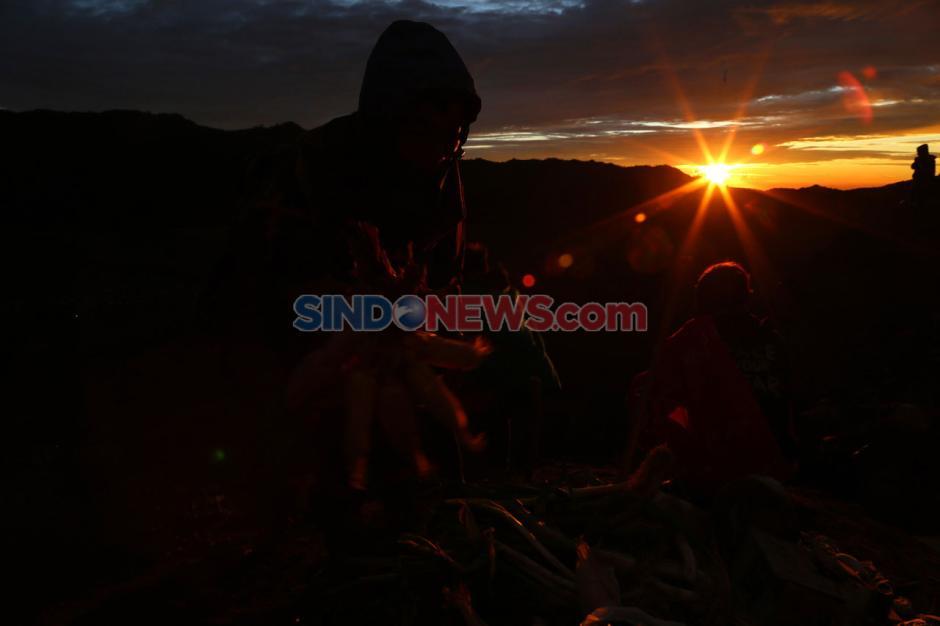 Pandemi Corona Tak Surutkan Semangat Suku Tengger Rayakan Yadnya Kasada-5